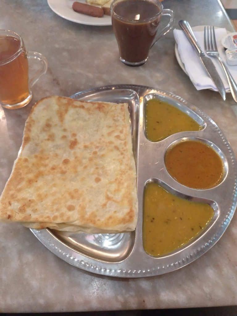 6.como-dar-la-vuelta-al-mundo-curry-house-roti-768x1024