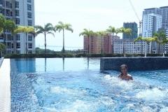 como-dar-la-vuelta-al-mundo-georgetown-apartamentos-piscina-alojamiento