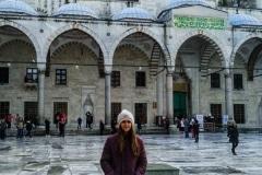 2.como-dar-la-vuelta-al-mundo-mezquita-azul-703x1024