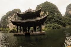 como-dar-la-vuelta-al-mundo-trang-an-templo-en-el-agua