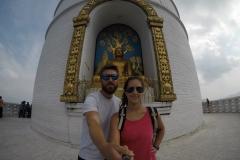 Como-dar-la-vuelta-al-mundo-pagoda-pokhara