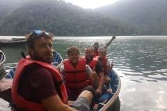Como-dar-la-vuelta-al-mundo-remando-pokhara