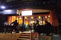 Como-dar-la-vuelta-al-mundo-thamel-restaurante