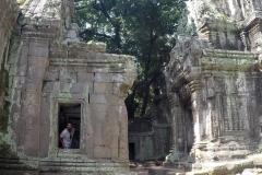 Como-dar-la-vuelta-al-mundo-templo-angkor-tomb-raider