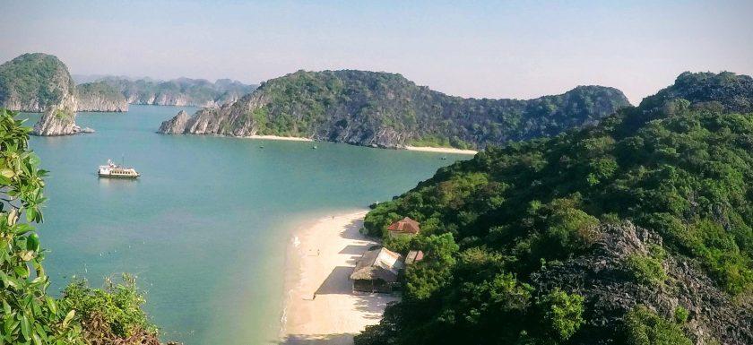como-dar-la-vuelta-al-mundo-lan-ha-bay-vista-monkey-island