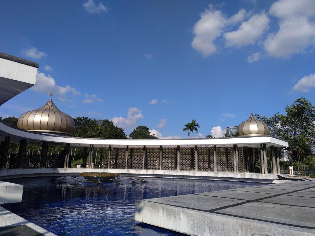 como-dar-la-vuelta-al-mundo-kl-monumento nacional2